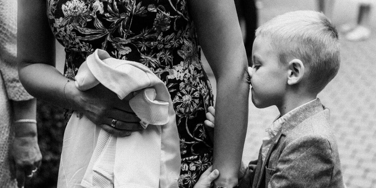 Fotografia ślubna – reporterska (dokumentalna) czy pozowana?